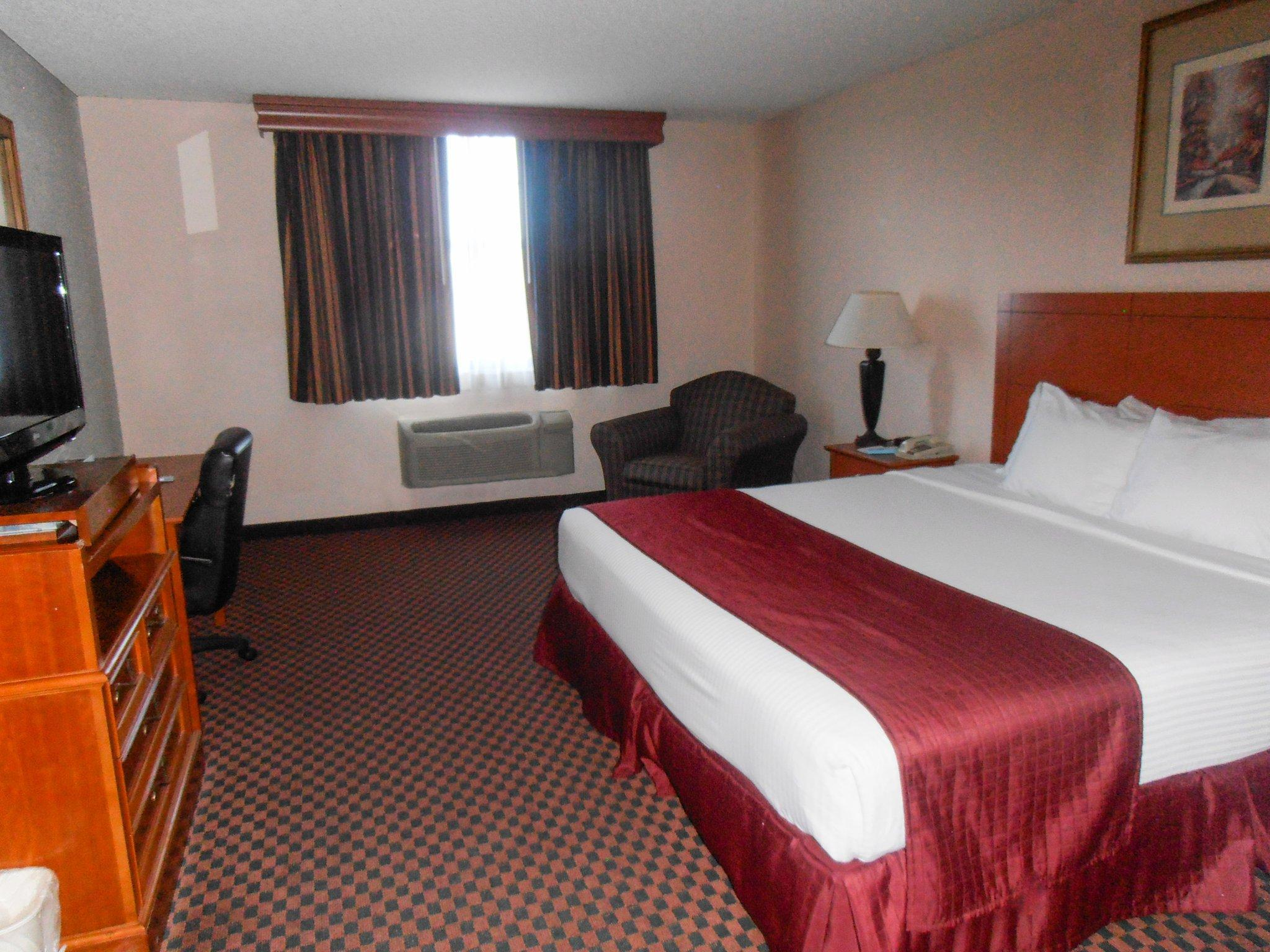 Quality Inn And Suites Downtown North