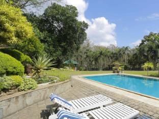 保护区小屋 科伦坡 - 游泳池