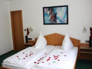/zh-cn/mainbogen-hotel/hotel/frankfurt-am-main-de.html?asq=m%2fbyhfkMbKpCH%2fFCE136qSPOzNM3X%2fRVt%2bu4aFHDUUdE7dxBcWcPy2l1wyt4RDrN