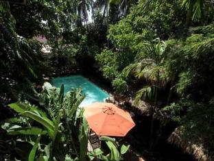 Mysteres & Mekong Phnom Penh - Swimming Pool