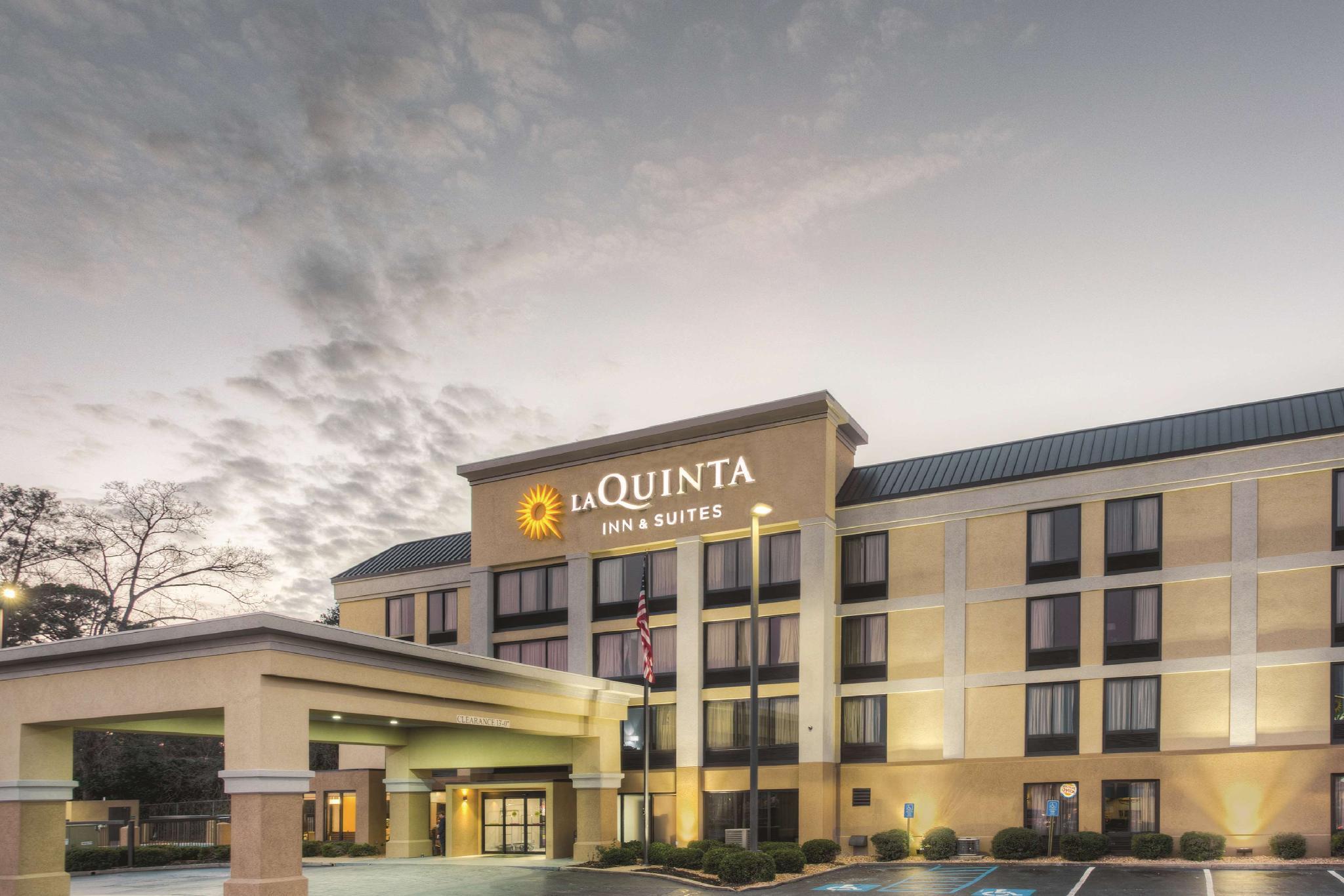 La Quinta Inn And Suites By Wyndham Jackson North