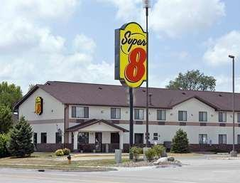 Super 8 By Wyndham Ankeny Des Moines Area