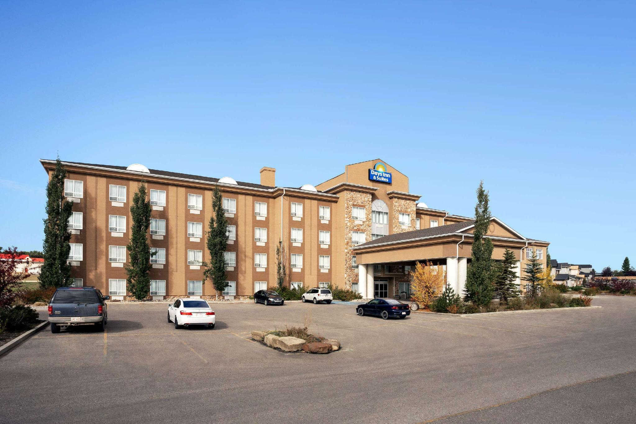 Days Inn And Suites By Wyndham Strathmore