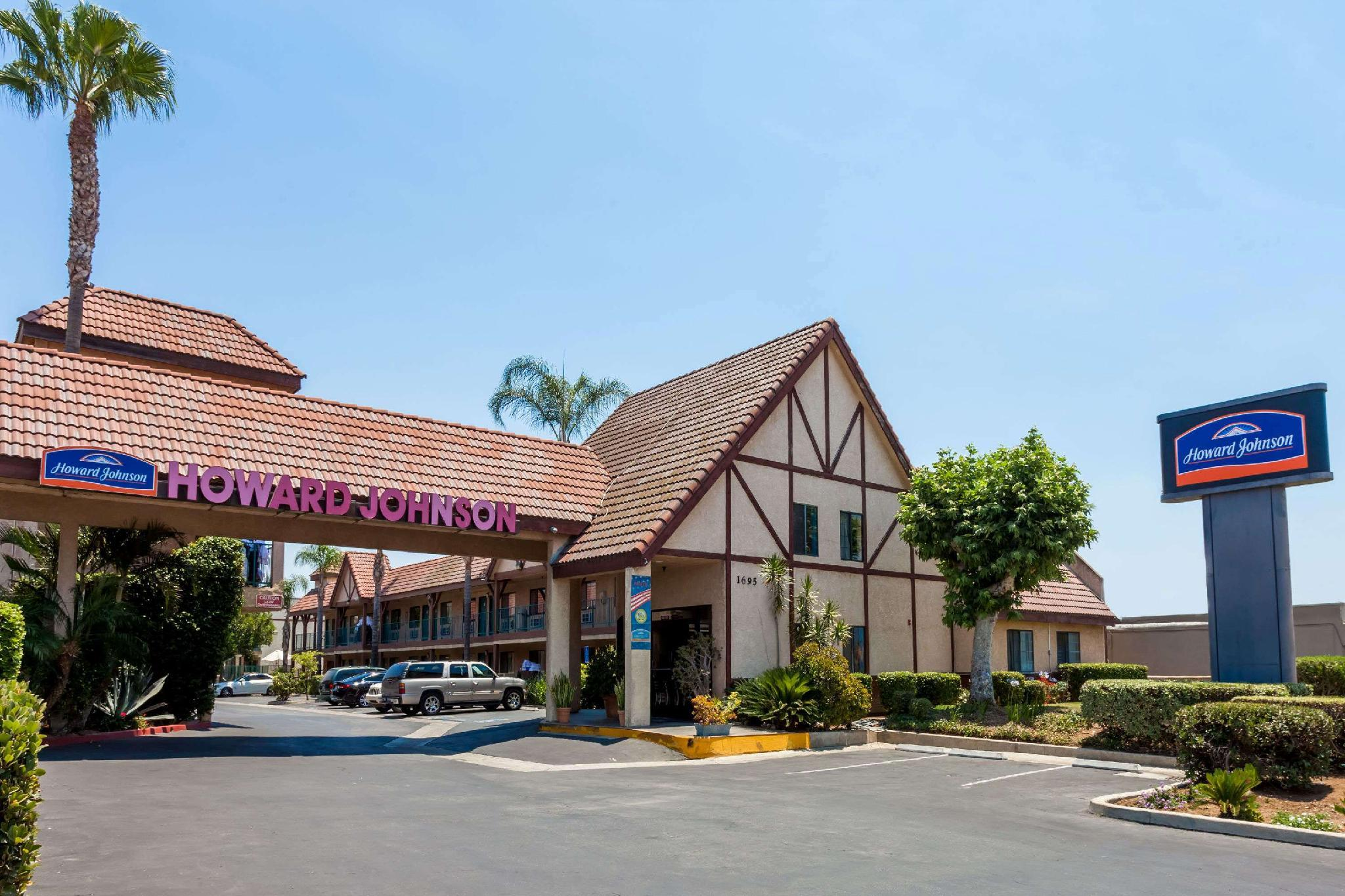 Howard Johnson By Wyndham Norco