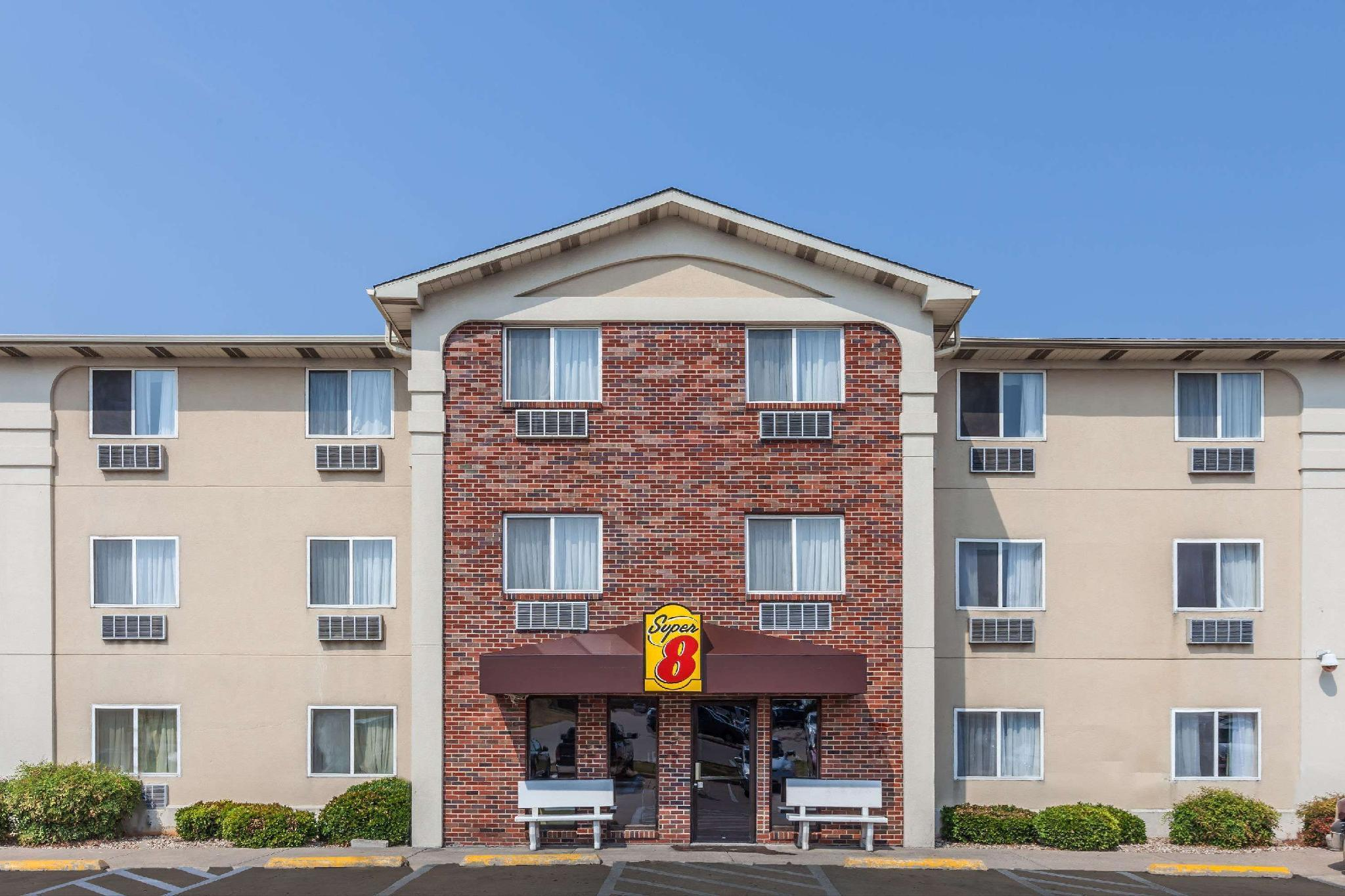Super 8 By Wyndham Irving Dfw Airport South
