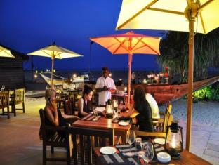 Jetwing Blue Negombo - Center Point Grill & Bar