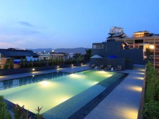 The Lantern Resorts Patong Phuket - Pool - Starlight Wing