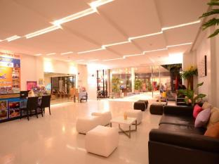 The Lantern Resorts Patong Phuket - Surroundings
