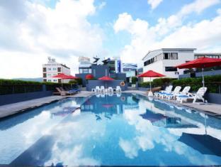 The Lantern Resorts Patong Phuket - Swimming Pool