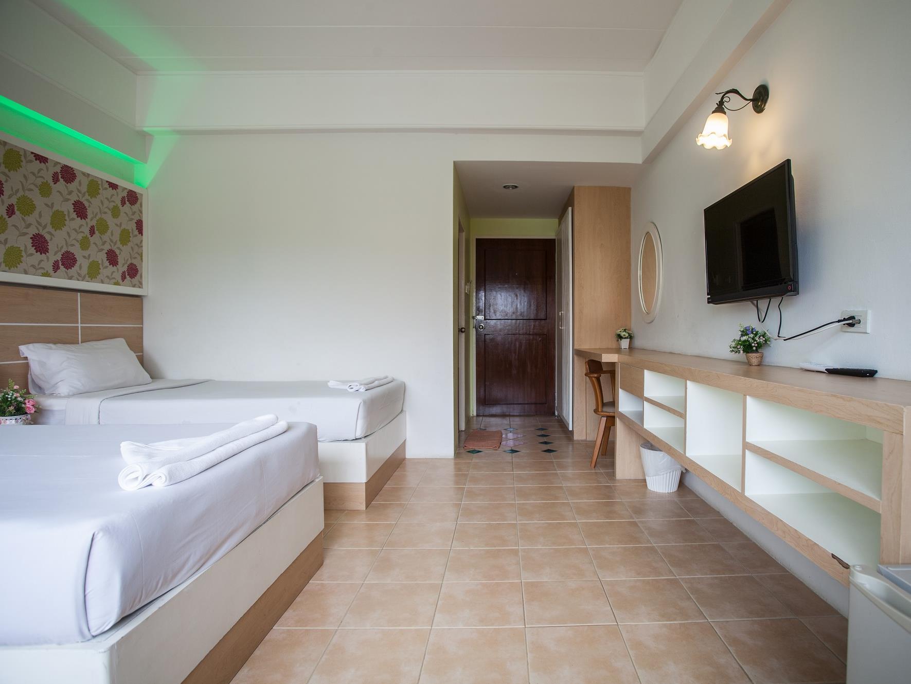The Greenery Hotel 5