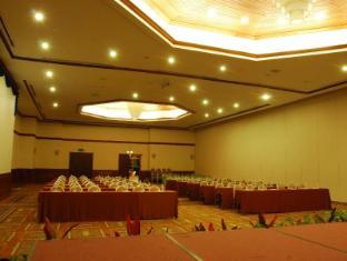 One Hotel Santubong Кучінг - Конференц-зал