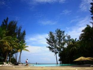 One Hotel Santubong Kuching - Swimming Pool