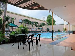 Holiday Spa Hotel Cebu - Bể bơi