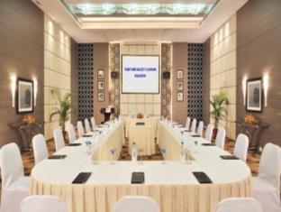 Fortune Select Loudon Kolkata - Board Room