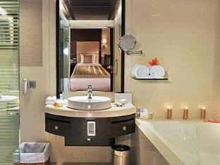 Fortune Select Loudon Kolkata - Bathroom