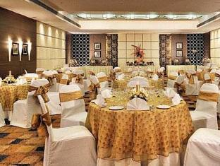 Fortune Select Loudon Kolkata - Restaurant