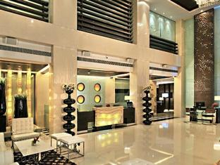 Fortune Select Loudon Kolkata - Lobby