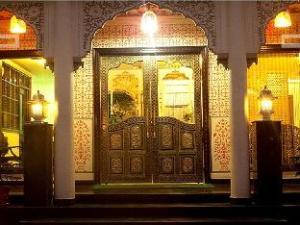 纳哈伽哈维里酒店 (Nahargarh Haveli Hotel)