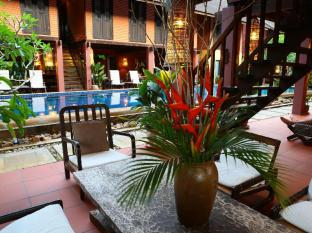 The Village House Kuching - Inne i hotellet