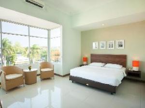 เดอะ สตูดิโอ อินน์ นูซา ดูอา (The Studio Inn Nusa Dua)