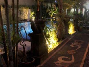 Puri Anom Hotel Bali - Garden