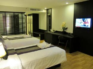 Nouvo City Hotel Bangkok - Grand Deluxe Room