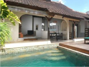Villa Kresna Boutique Villa Бали - Бассейн