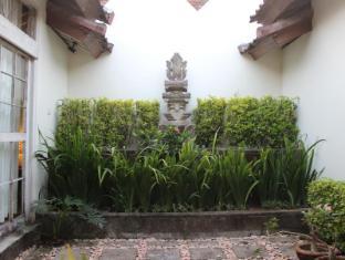 Villa Kresna Boutique Villa Бали - Сад