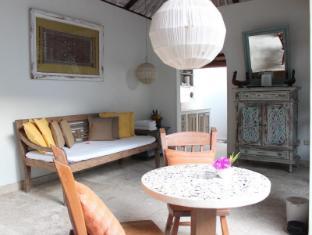Villa Kresna Boutique Villa Bali - Ban Công/Sân Thượng
