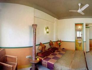 Hotel Golden Swan Mumbai - Standard Room