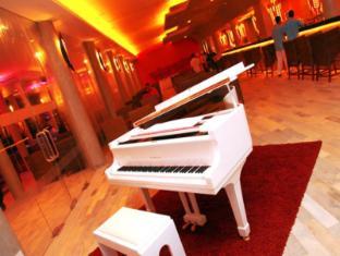 Hikka Tranz by Cinnamon Hikkaduwa - Tranzcend Lounge & Bar