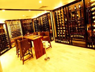 Hikka Tranz by Cinnamon Hikkaduwa - Tranzform wine &Cigar Room