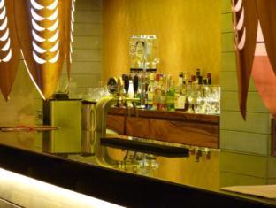 Hikka Tranz by Cinnamon Hikkaduwa - Bar Area