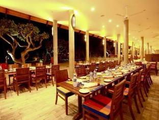 Hikka Tranz by Cinnamon Hikkaduwa - Restaurant