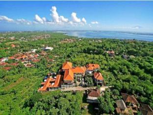 Jimbaran Cliffs Private Hotel & Spa Bali - Benoa harbour in the background