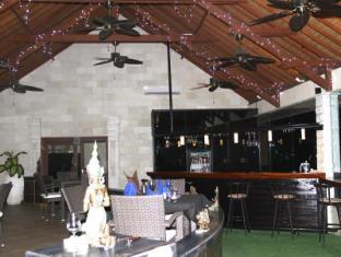 Jimbaran Cliffs Private Hotel & Spa Bali - restaurant and bar
