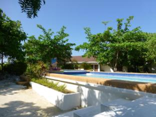 Talima Beach Villas & Dive Resort Mactan Island - Yüzme havuzu