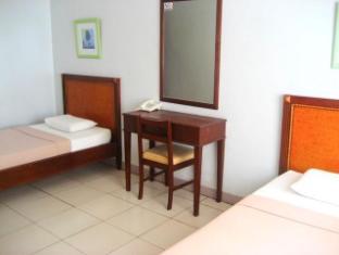 Sun Avenue Tourist Inn And Cafe Tagbilaran City - Twin Room