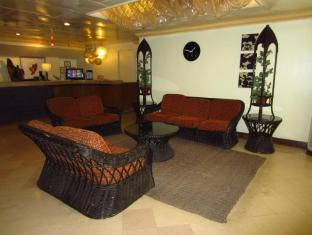 Hotel Cesario Остров Мактан - Лобби