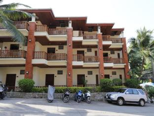 Sun Hill Hotel Phuket - Building with Deluxe Rooms