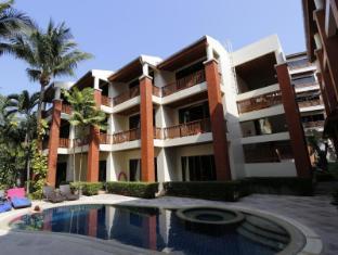 Sun Hill Hotel Phuket - Balconies and Pool
