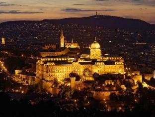 La Prima Fashion Hotel Budapest - Nearby Attraction