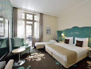La Prima Fashion Hotel Budapest - Double room with extra bed