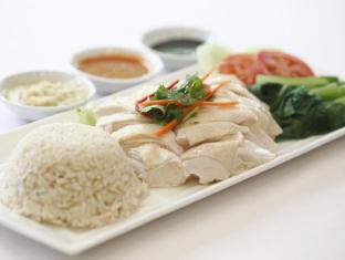 Hotel Grand Pacific Singapore - Chicken Rice at Sun's Cafe