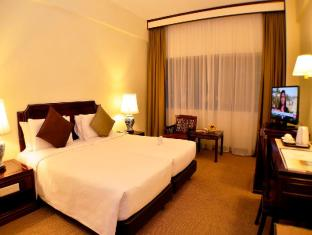 Hotel Grand Pacific Singapore - Hotellihuone