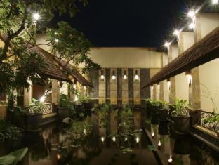 /id-id/lotus-garden-hotel/hotel/kediri-id.html?asq=jGXBHFvRg5Z51Emf%2fbXG4w%3d%3d