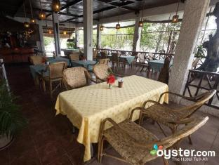 Discovery Island Resort and Dive Center Coron - Restaurant