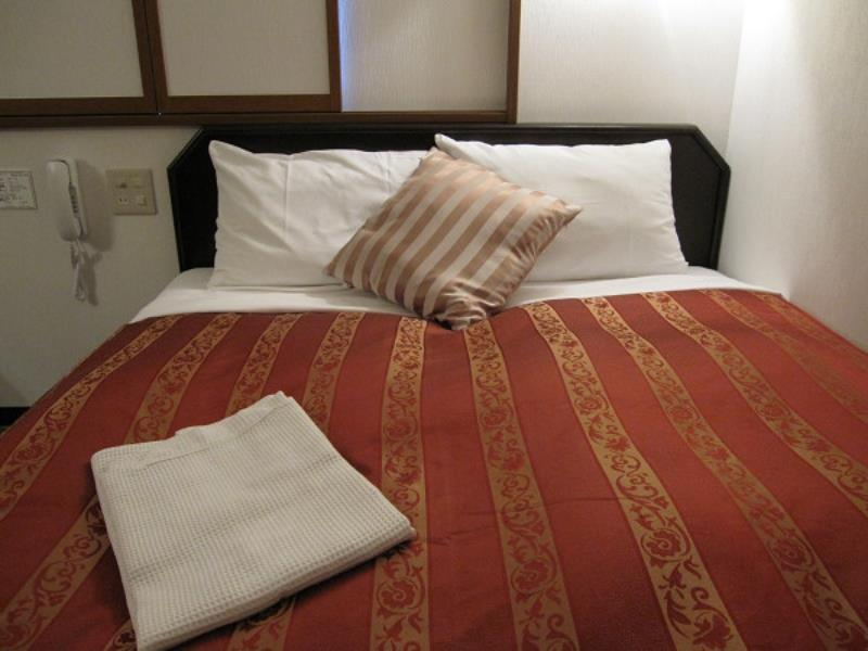 Small Double Bed With Breakfast