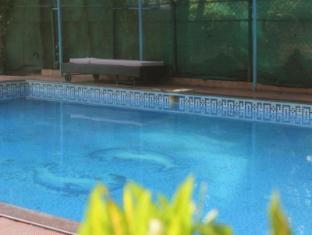 Amigo Plaza Hotel South Goa - Swimming Pool