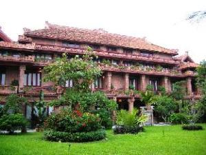 關於凡柴度假村 (Van Chai Resort)